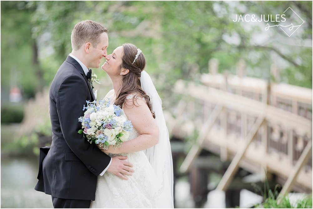 jacnjules photograph natural light bride and groom photo at divine park in spring lake nj