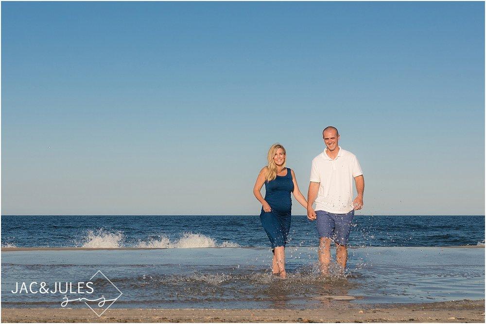 fun maternity photos in island beach state park
