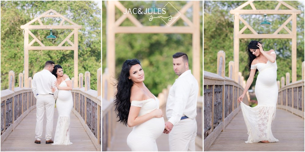 Creative Pretty maternity photos of expectant couple in Spring Lake, NJ