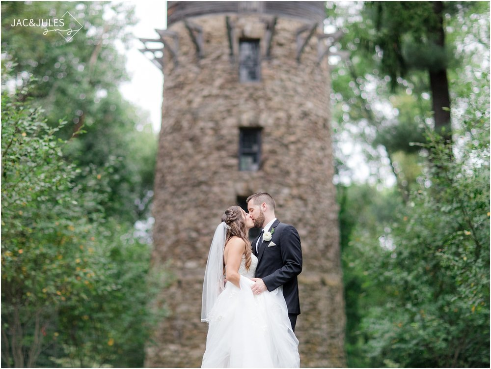 unique wedding photos at Cross Estate Gardens in Bernardsville, NJ.