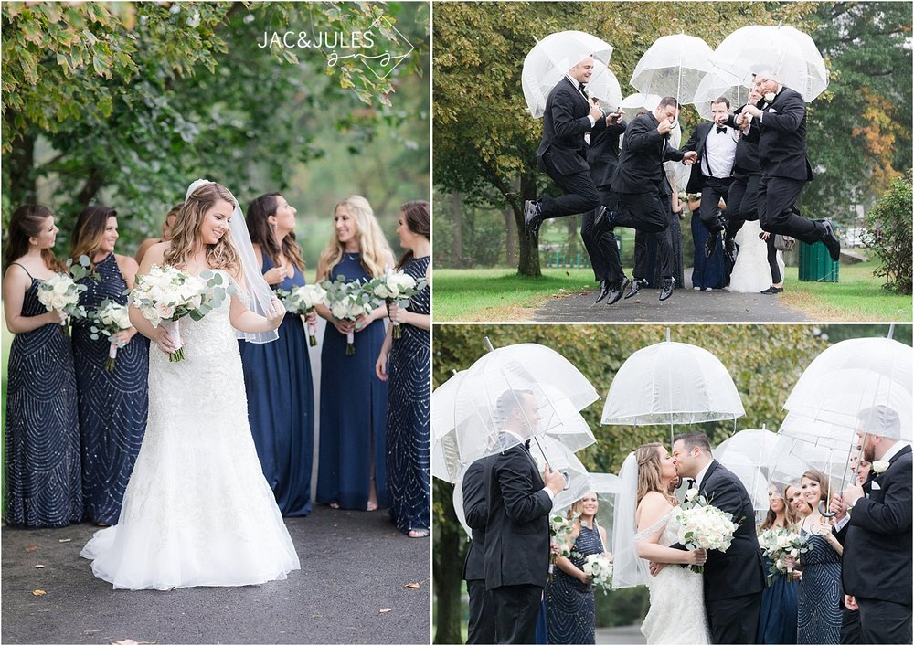 rainy day wedding photos at Briant Park