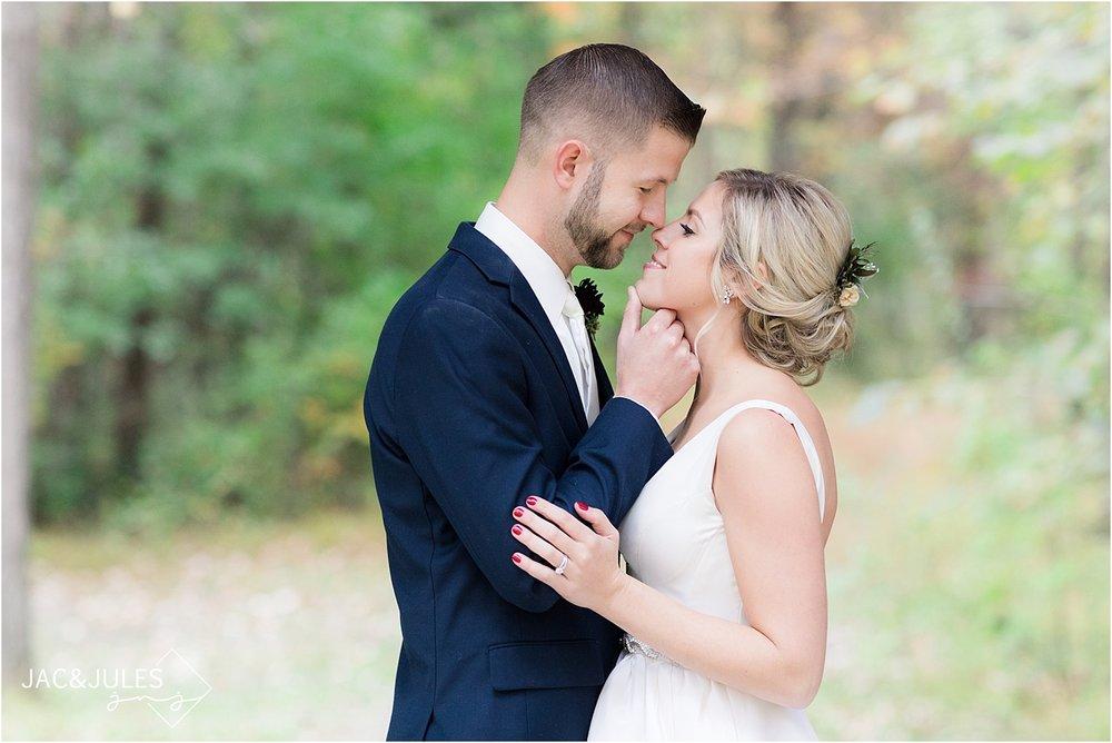 covered bridge barn romantic wedding photo