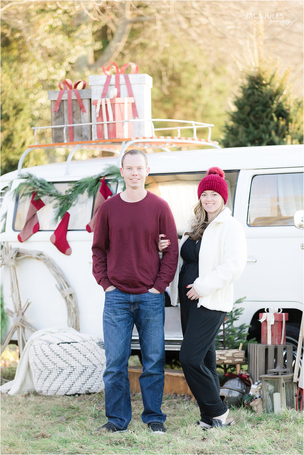 unique holiday photo using vw bus in NJ