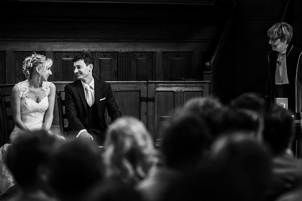 ceremonie in Waalse kerk bruidsfotograaf Cfoto