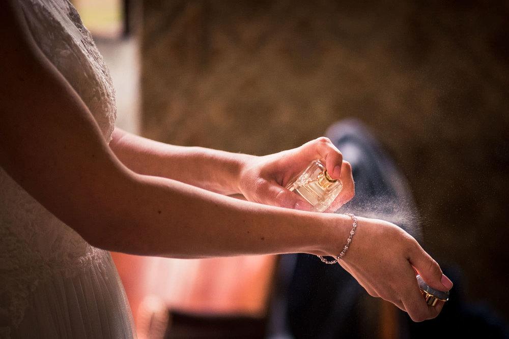 parfum bruidsfotografie trouwfotograaf