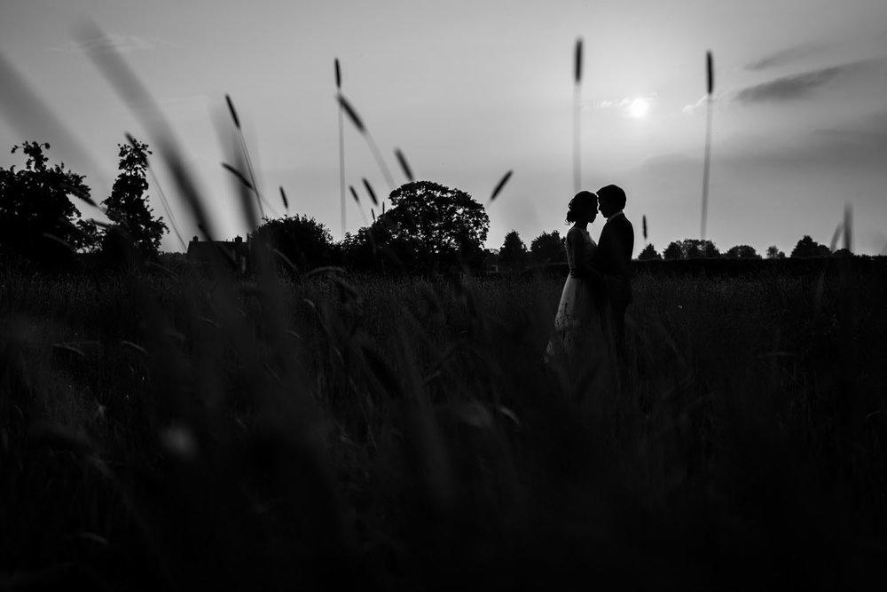 ondergaande zon silhouet bruidsfotograaf cfoto kasteel wijenburg
