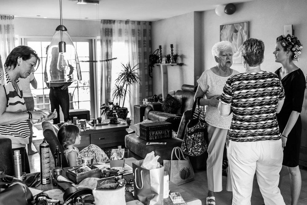 aankleden bij de ouders van de bruid in Rotterdam, cfoto, Spijkenisse