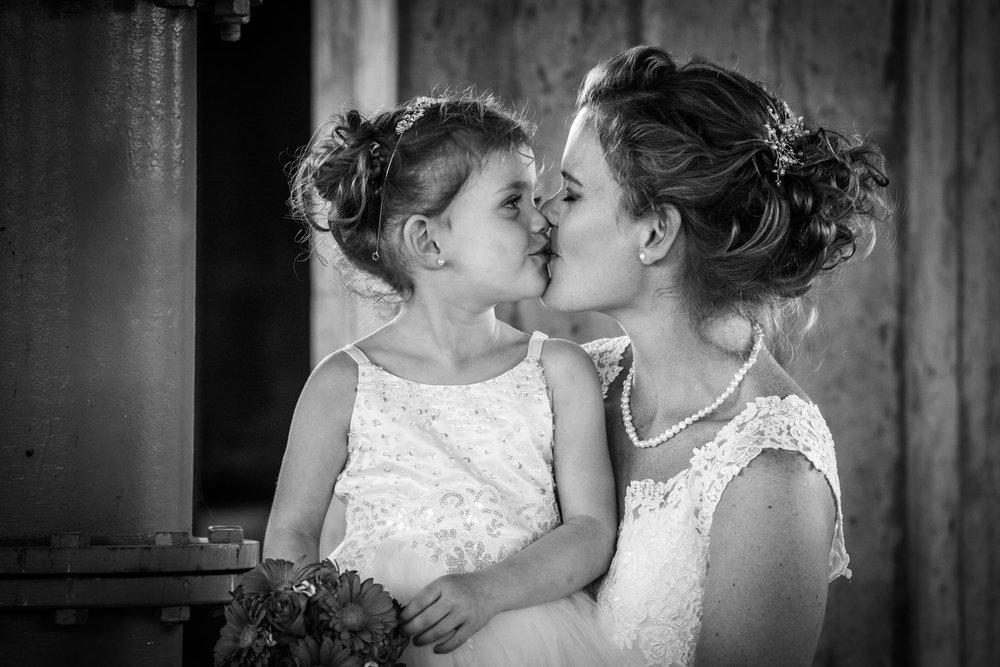 bruid en bruidsmeisje, liefde tussen moeder en dochter