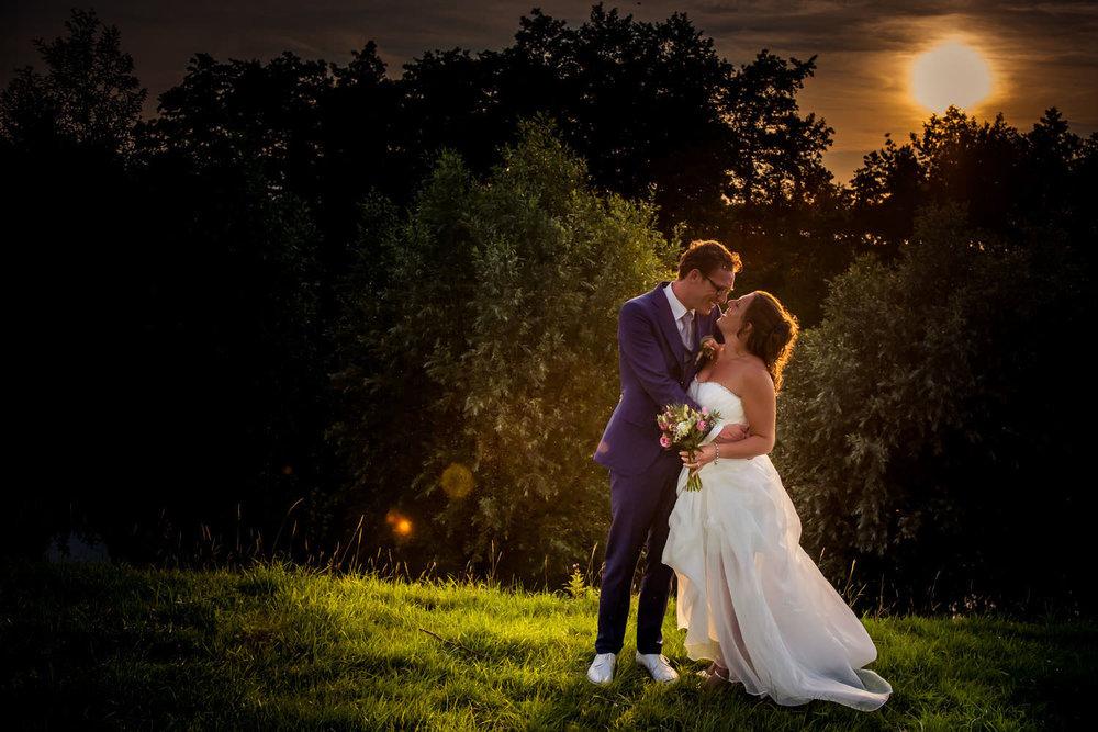 Copy of ondergaande zon, foto door bruidsfotograaf Caroline Elenbaas op Fort Sabina