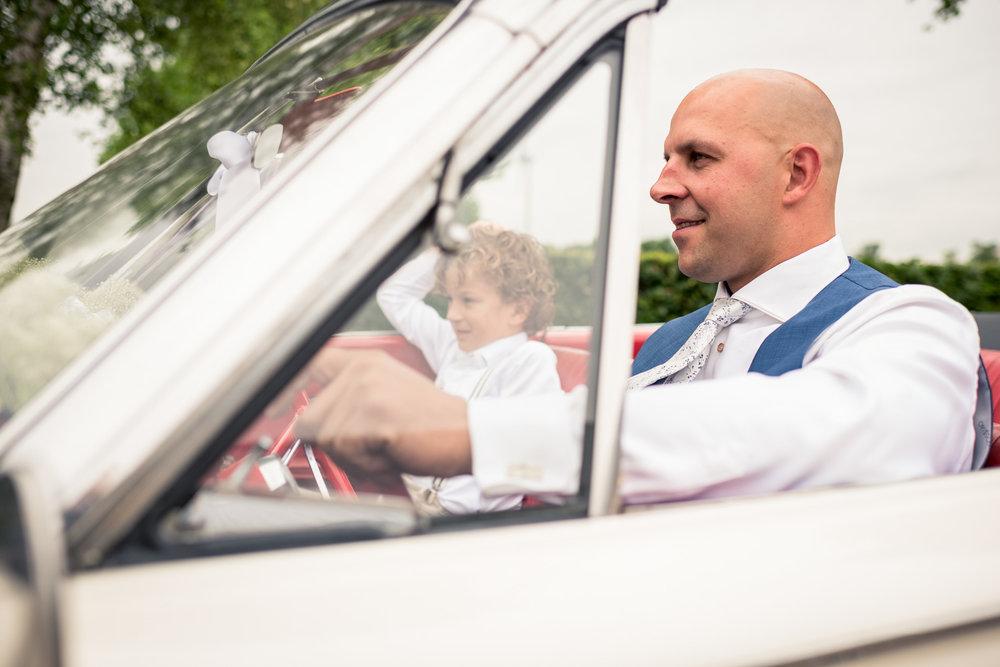 op weg naar de bruid in West Brabant door Caroline bruidsfotograaf bij Cfoto
