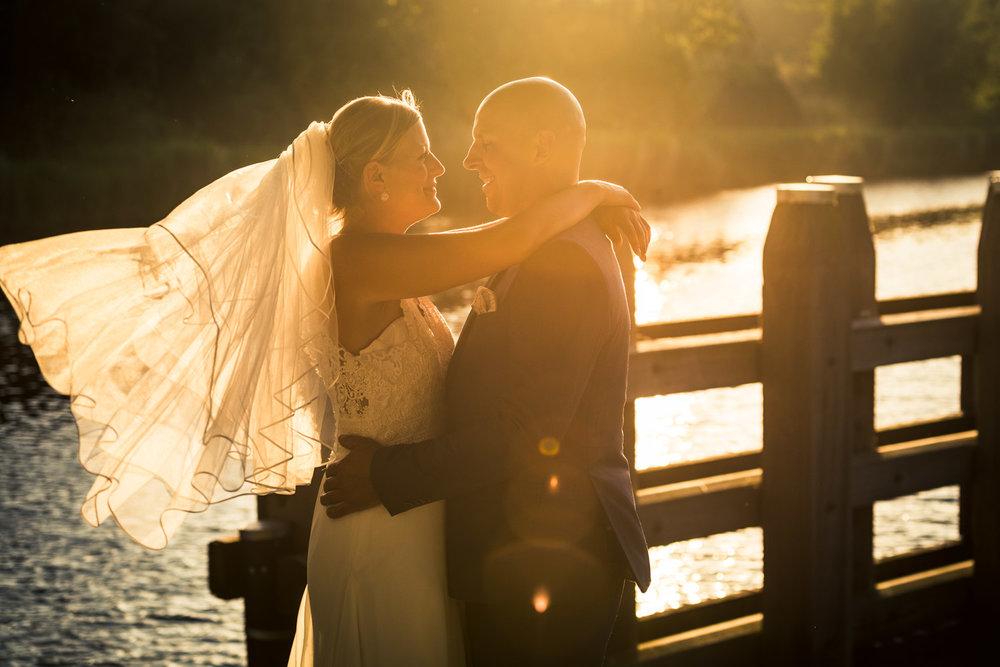 zonsondergang bruidsfotografie bij Gastel Sfeer in Oud Gastel in West Brabant door Caroline bruidsfotograaf bij Cfoto