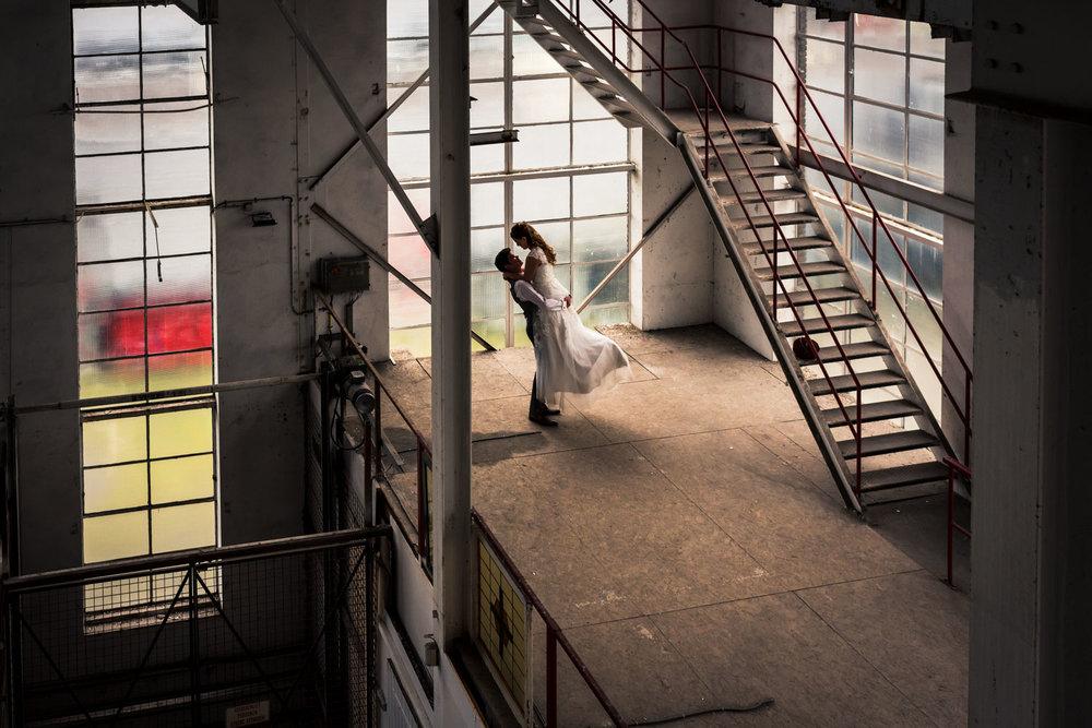 trouwfotograaf uit brabant Cfoto met shoot in oude suikerfabriek
