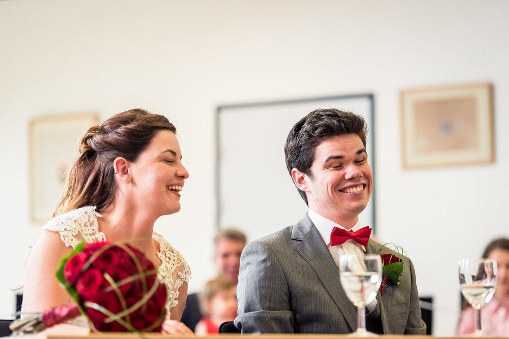 Een spontaan moment tijdens de ceremonie in Zevenbergen