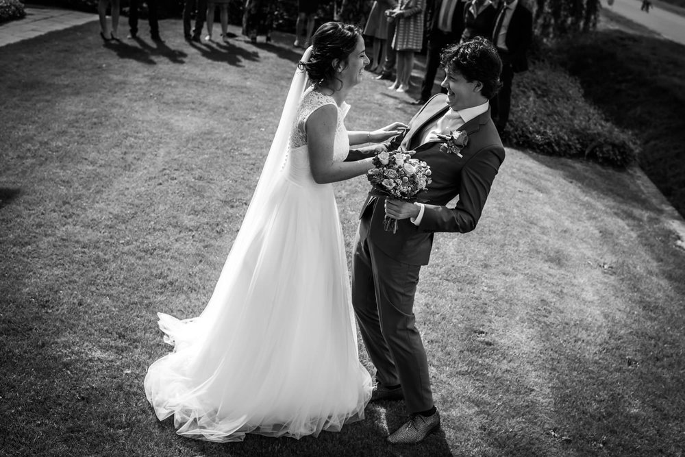 ontmoeting bruidspaar bruidsfotografie supermooi