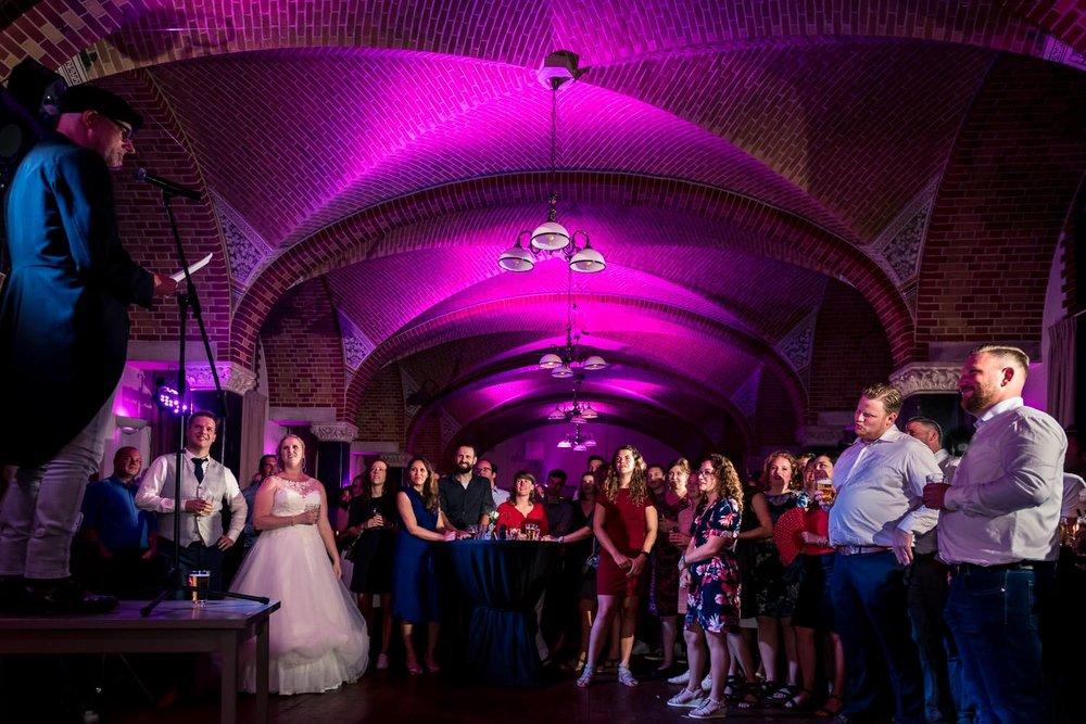 toespraak tijdens het trouwfeest op bovendonk met paars licht kr