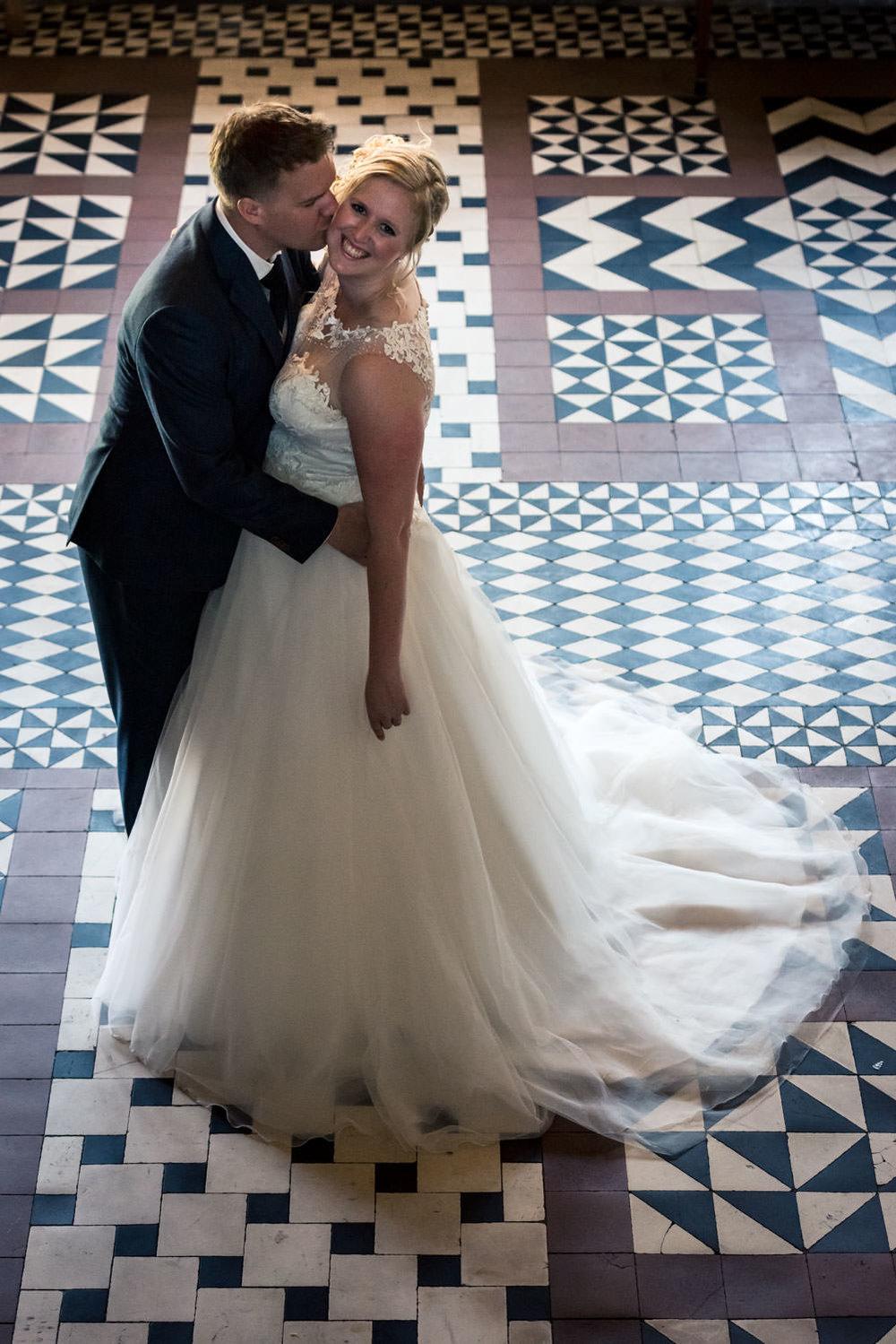 Caroline van Cfoto legt het bruidspaar vast met mooie bruidsfoto