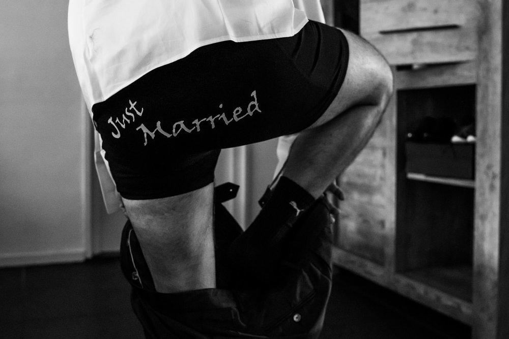 underwear met de tekst getting married