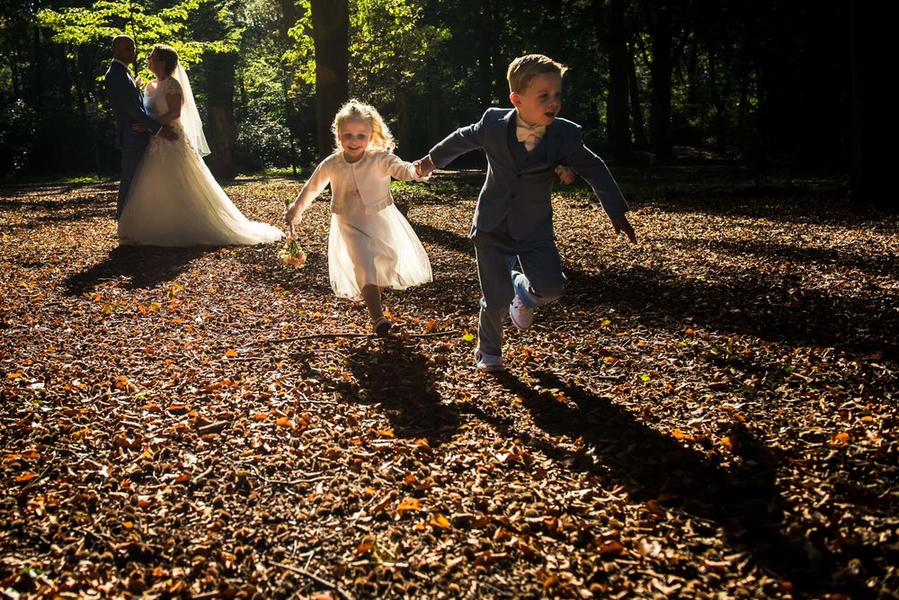 coole-bruidsfotografie-spontaan-kindjes.jpg