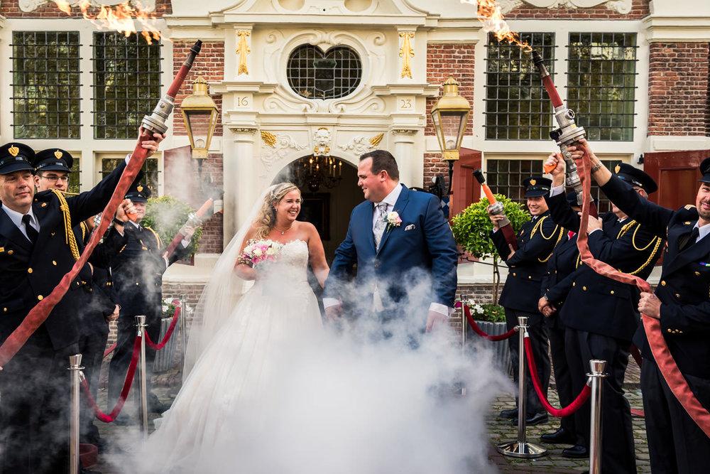 Willemstad-bruidsfotografie-brandweer-mauritshuis.jpg