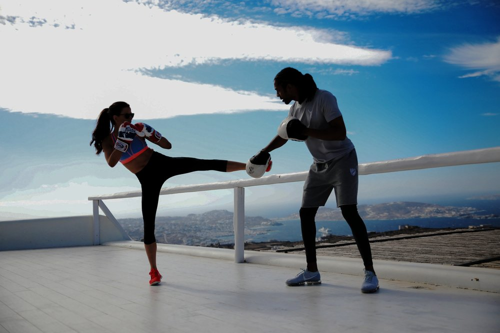FITNESS & YOGA From the world's best trainers -