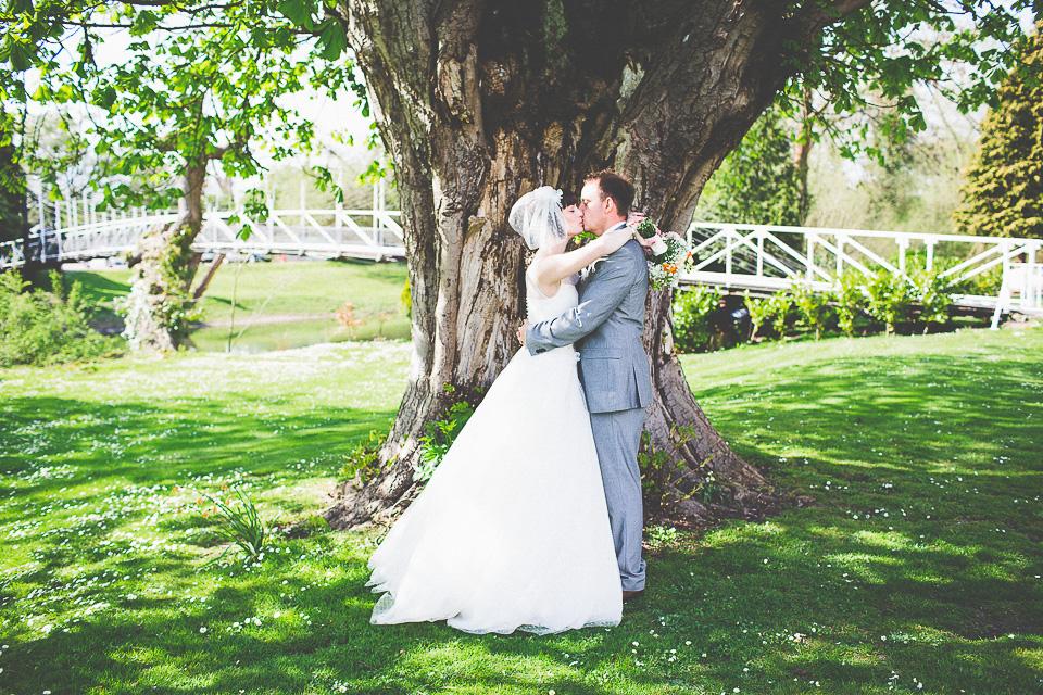 monkey-island-bray-wedding-photography-75.jpg