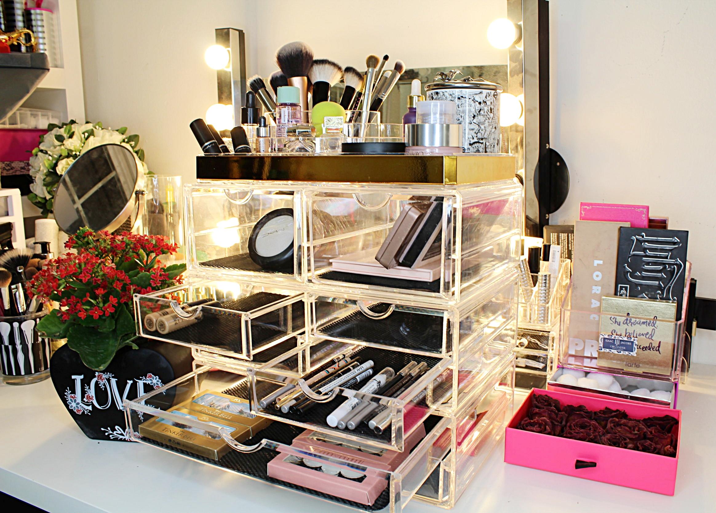 Бьюти-гардеробные и комод Икеа: как блогеры хранят столько косметики