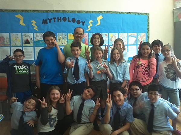 쎄라 학교에서 5학년 반 아이들과 함께 찍은 사진