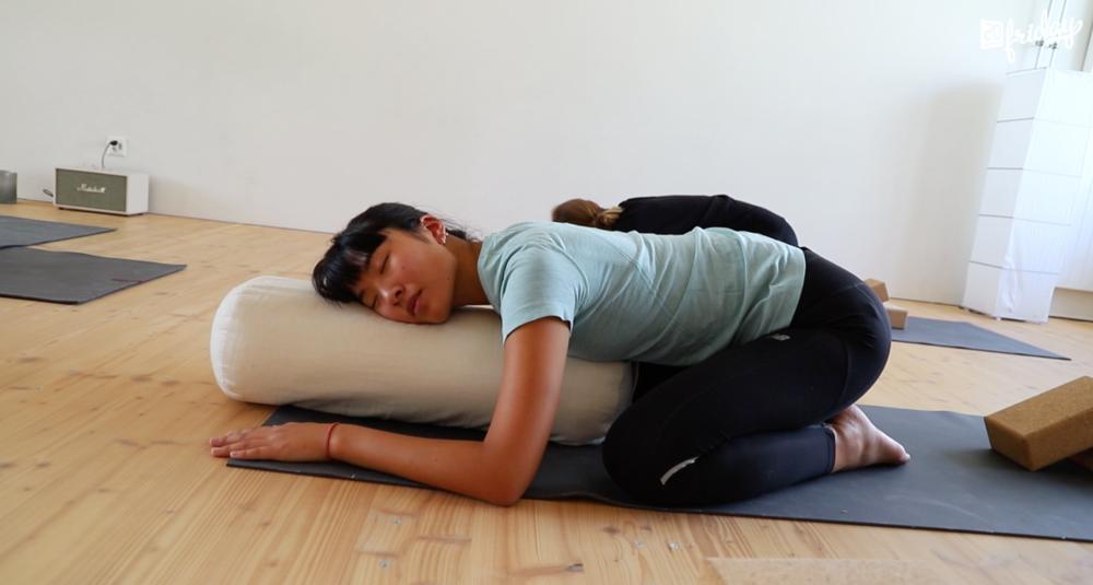 Yoga gegen Mensbeschwerden