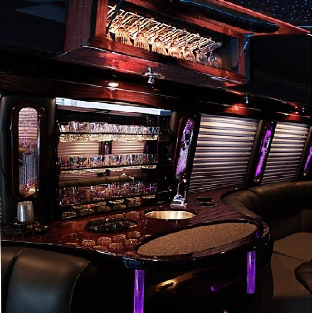 Limo High Gloss Liqour Cabinet by Eash Design~1-01.jpg