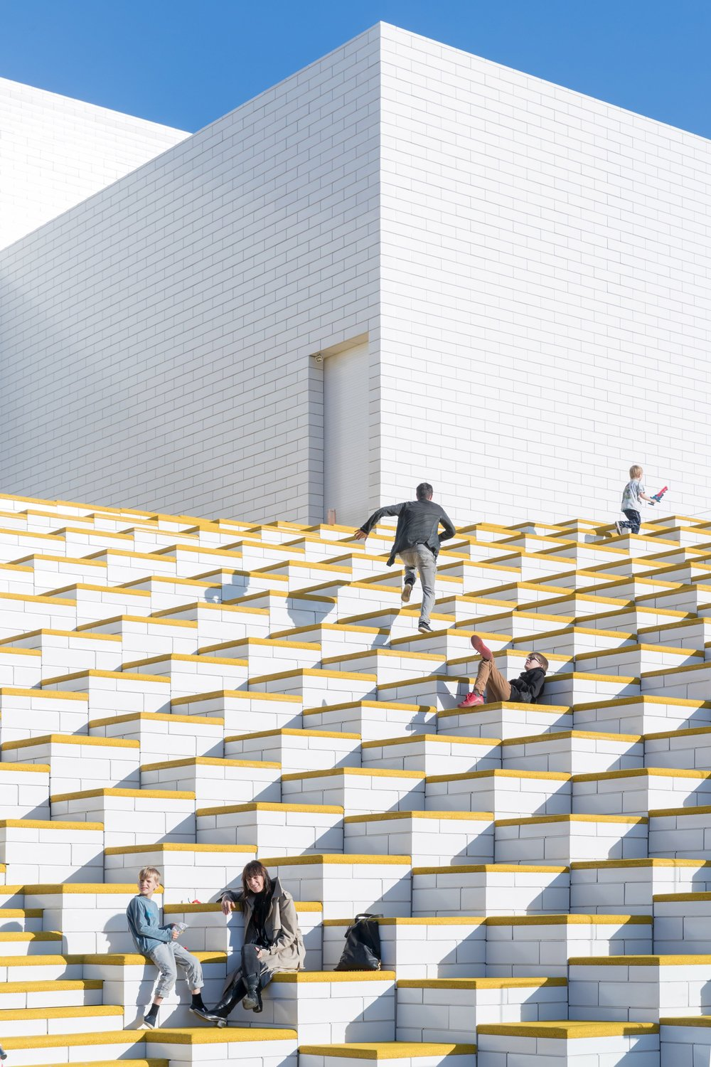 lego-house-big-photographs-iwan-baan-billund-denmark-architecture_dezeen_2364_col_6.jpg