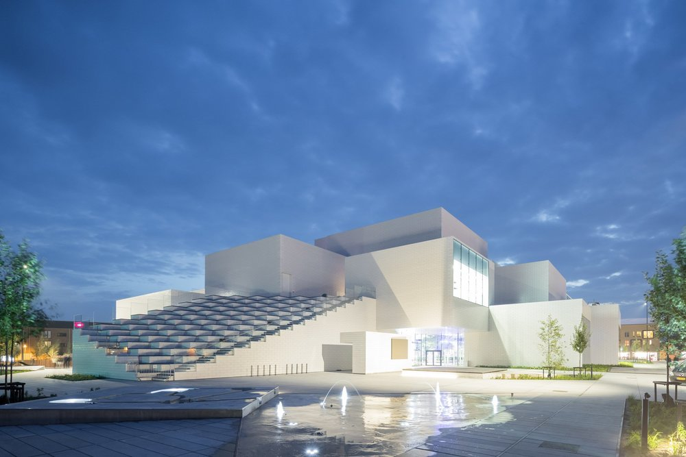 lego-house-big-photographs-iwan-baan-billund-denmark-architecture_dezeen_2364_col_15.jpg