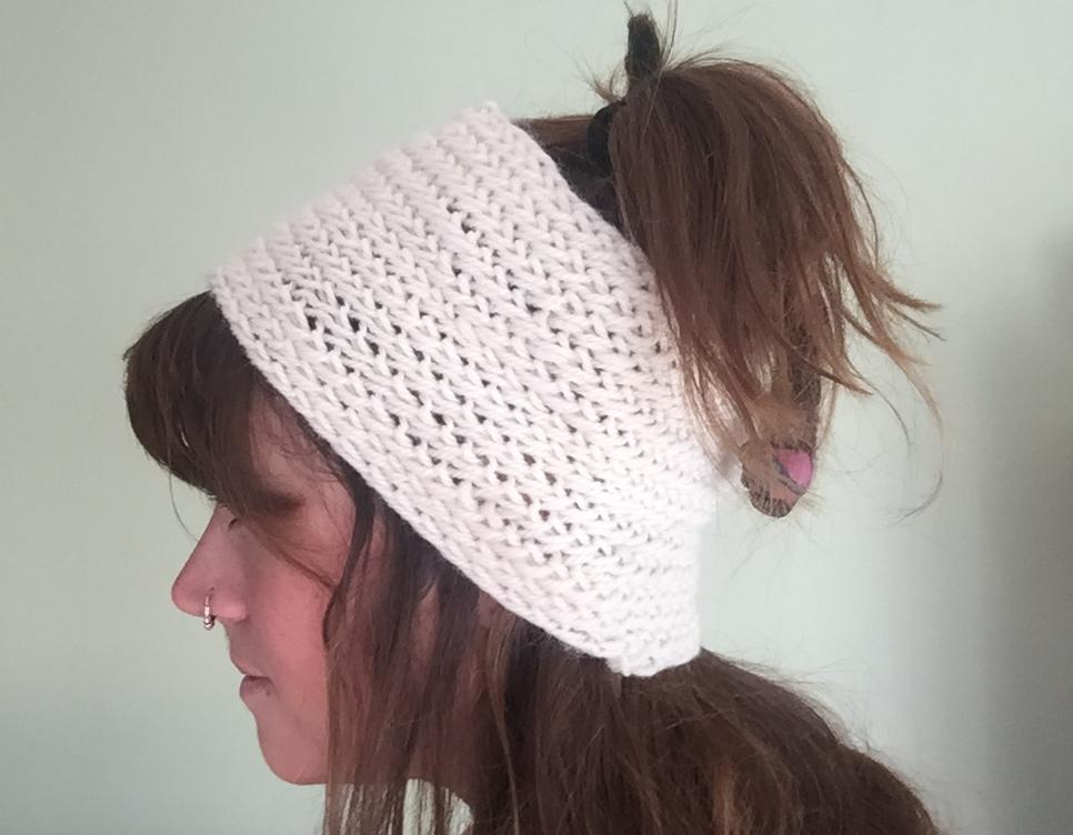 N å lbound headband.