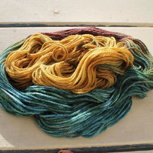 Soon you will receive the holiday episode, there have been some technical difficulties, and I've been out of the country without Internet, but a little late holiday cheer never hurt 😁 in the meantime, here is my most recent dyeing experiment! 💖 #yarn #wool #knittersofinstagram #handdyedyarn #adventure #northernshores