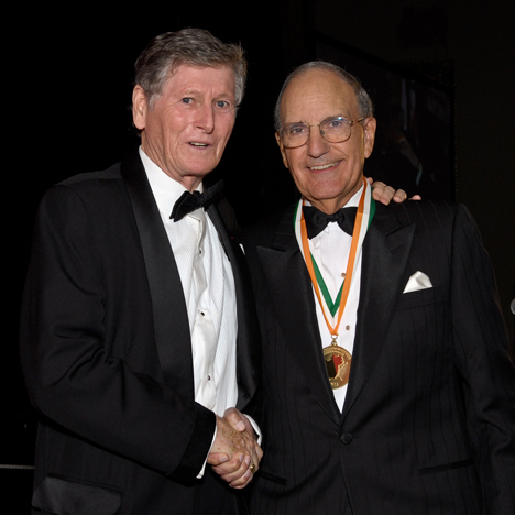 lifetime-achievement-award-from-the-ireland-chamber-of-commerce-in-the-united-states-iccusa-george-mitchell.jpg