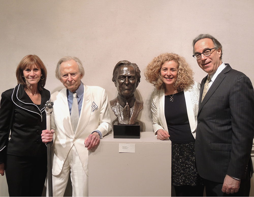 Tom-Wolfe-Portrait-Bust-06.jpg