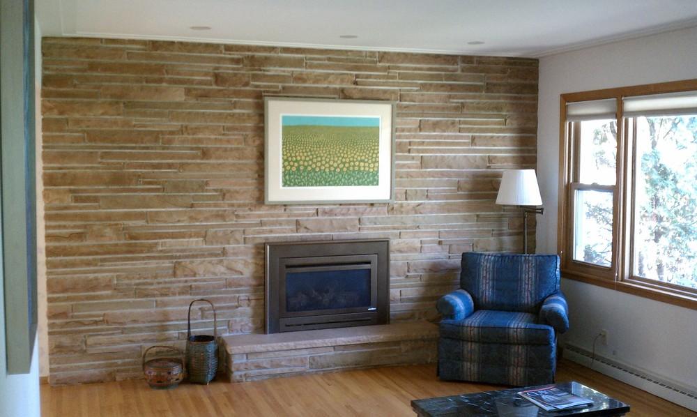 2-livingroomfireplace.jpg