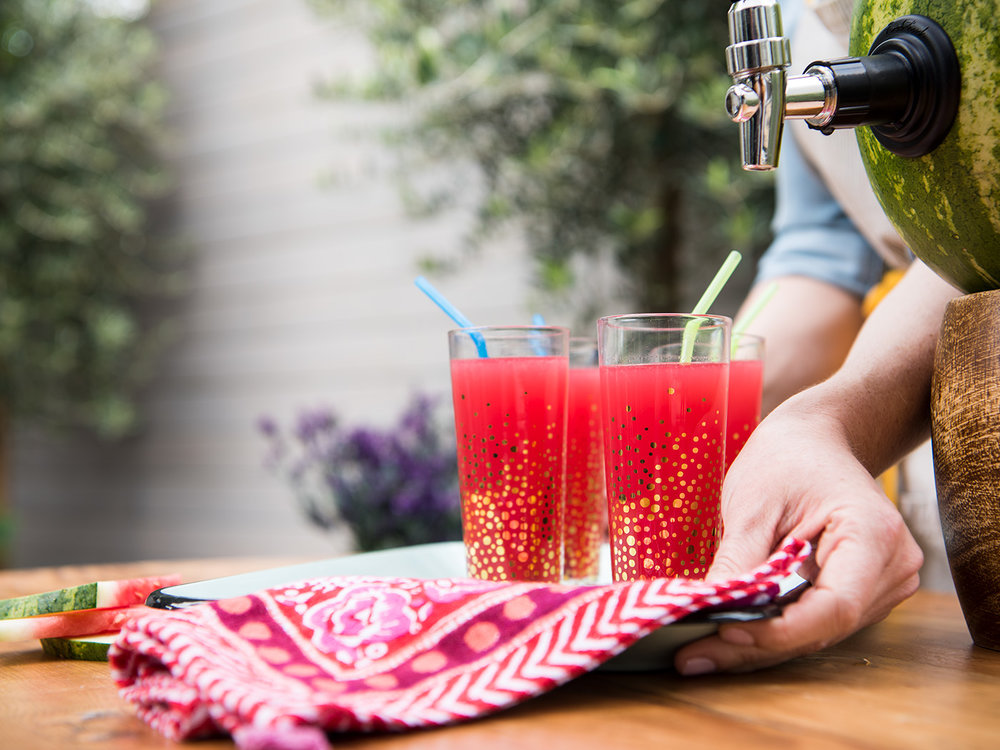 Deborah_Farnault_Food_Network_How-To-Win-Summer-Watermelon-Punch-Keg-Carrying-Tray-4x3-9812 copy.jpg
