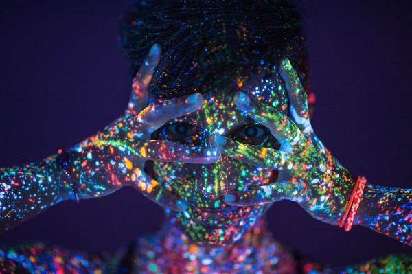 chakra-healing-energy-body-neon-girl.jpg