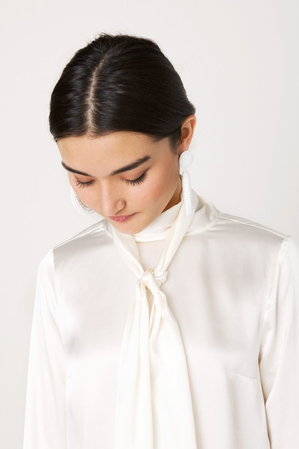 BowBackBlouse_SoftWhite_Front_Detail_preview.jpg