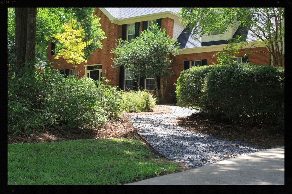 We understand the science behind grass cutting, fertilization, weed control, and irrigation. Knowledge in these areas is truly the backbone of Tallahassee Lawn Care