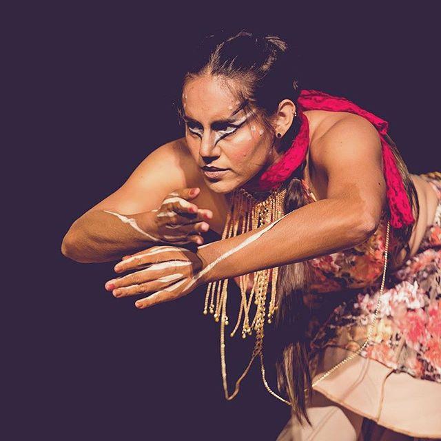 • R E B O R N • 🦌 . . . . . . #dance #freedom #bellydancefusion #artist #bellydancer #makeup #artist #fusiondance #deer #nature #mexican