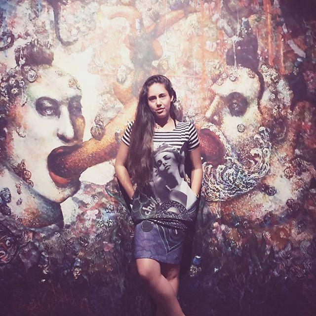 • Discover LA • . . . . . Get 10$ off your first trip with skedaddle, use the code SOCIAL10 (link on my bio) . . . #letskedaddle #morethangetthere #hbtskedaddle #hbsp #travel #tour #itravelalone #womantraveler #cityofangels #discoverLA #exploreLA #art #mural