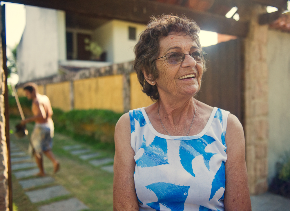 Therezinha Barbosa, 75, discusses the difficulties dealing with the threat of eviction from Vila Autodromo because of her age.