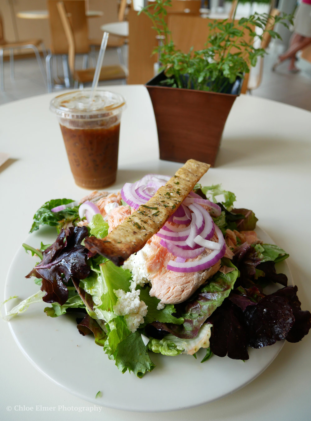 Phipps had the most AMAZINGLY fresh food at their cafe. I had a salmon salad before heading home! Highly recommend!