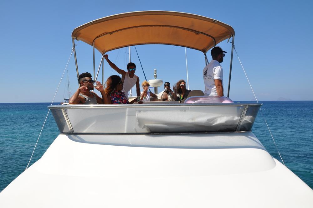 santorini cruise.JPG