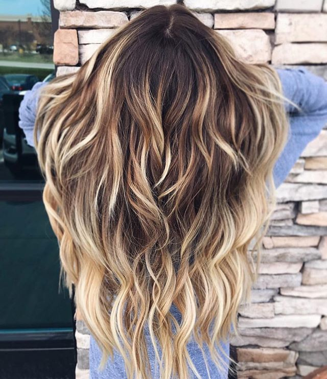 New week, new hair goals. ✨ @hotheadshairextensions + color by @haleyy.alexandraa. #aristagirl #hotheadshairextensions #aristahairsolutions