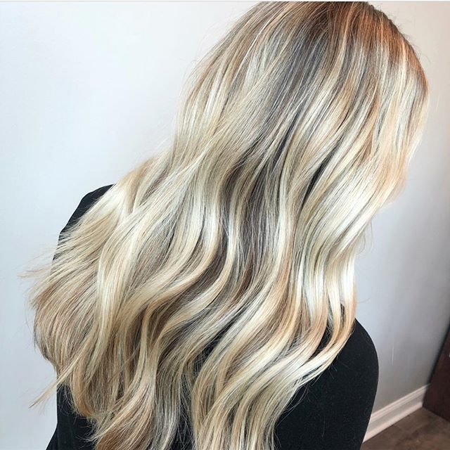 Blonde hair, do care. 👸🏼 Cut + color by @katylillly. #aristagirl #blondehair #aristahairsolutions