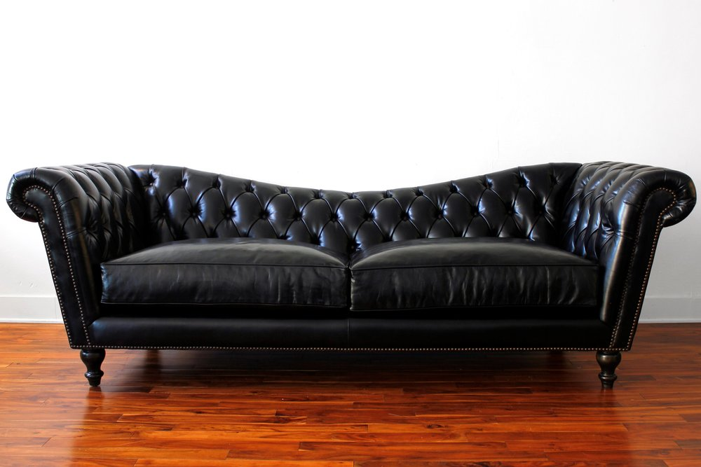 Couch seattle for Traditional sofas with legs