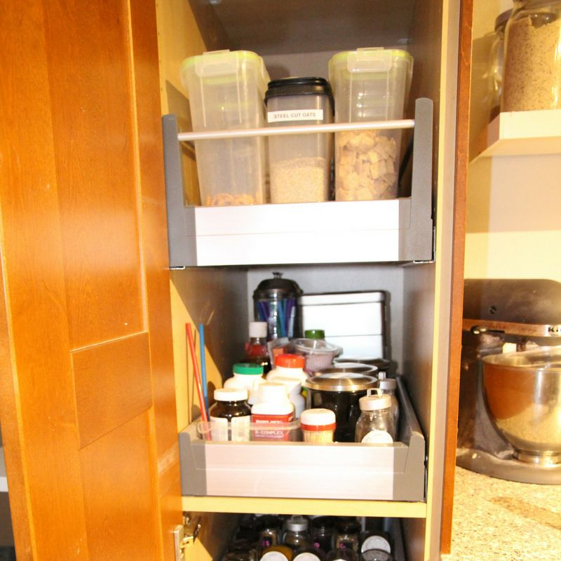small pantry organization after
