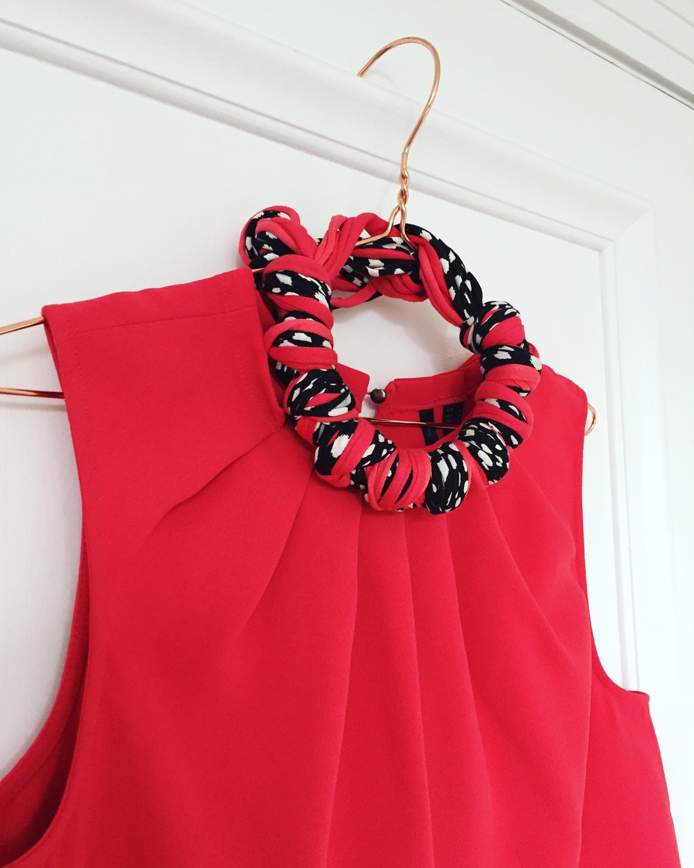 Graphic Coral Statement Ruby